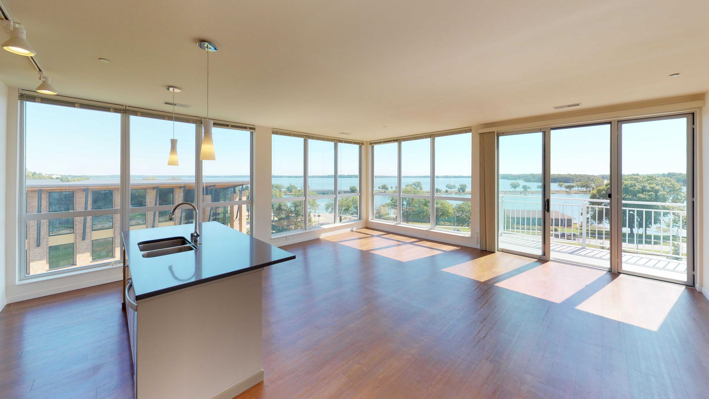 Apartment-525-Modern-Lake view-Luxury-Stunning-Views-Balcony-Capitol-lifestyle