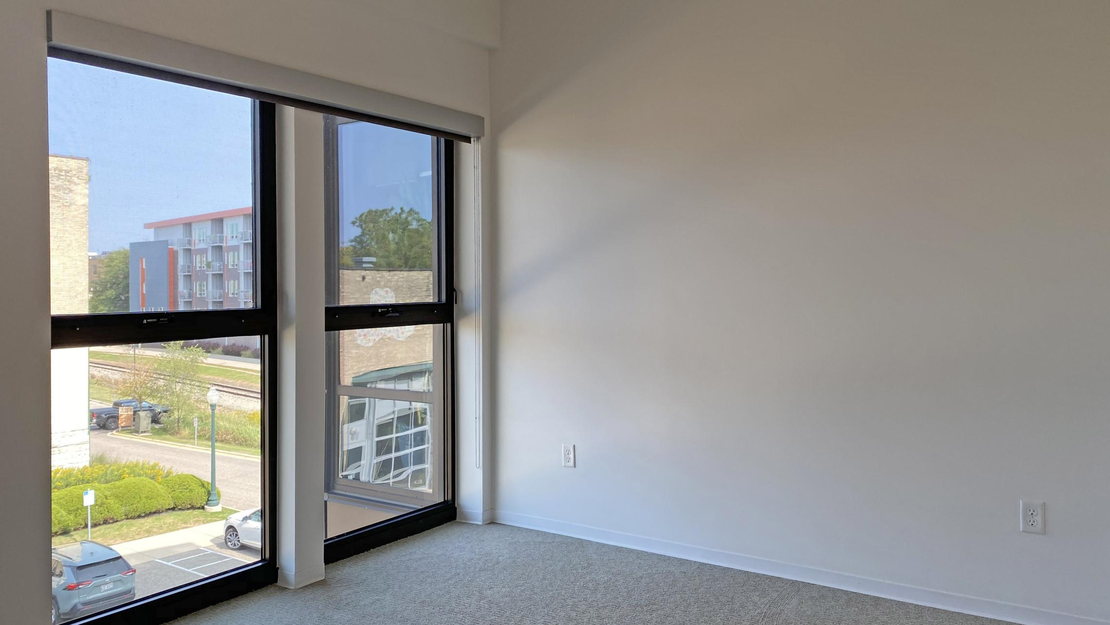 SEVEN27-The-Yards-Apartment-322-Two-Bedroom-Modern-Upscale-Luxury-Living-Kitchen-Bathroom-Design-Lounge-Fitness-Gym-Courtyard-Lake-View-Downtown-Madison