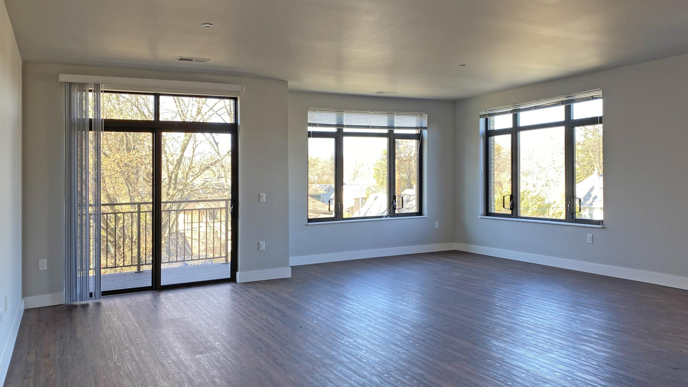 1722-Monroe-Apartments-320-Three-Bedroom-Modern-Upscale-Design-Windows-Natural-Light-Balcony-Gym-Terrace-Living-Luxury-Lounge-Madison-Views