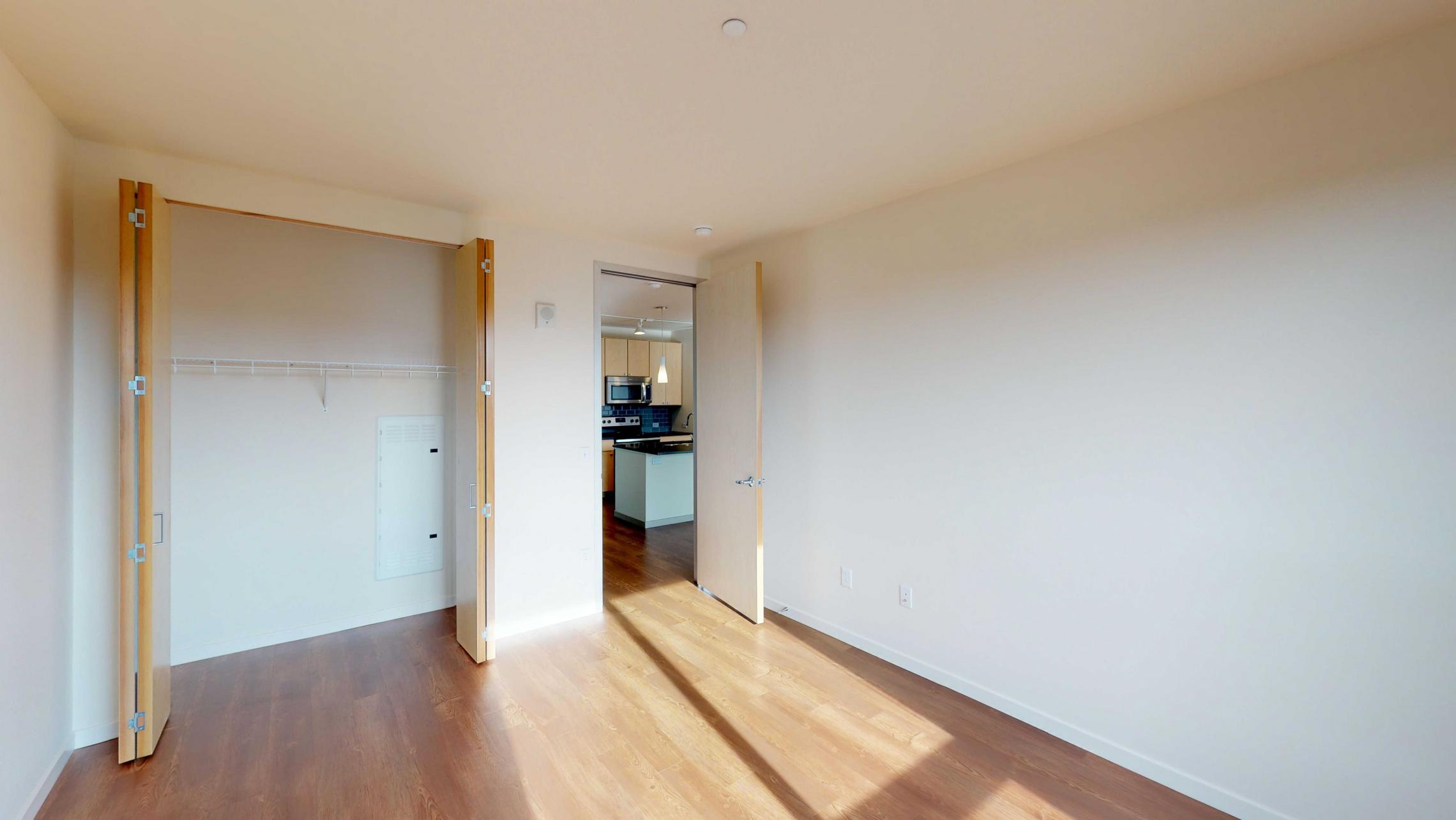 Nine-Line-Apartment-520-bedroom-upscale-downtown-balcony-lakeview-madison-luxury-lifestyle-capitol.jpg