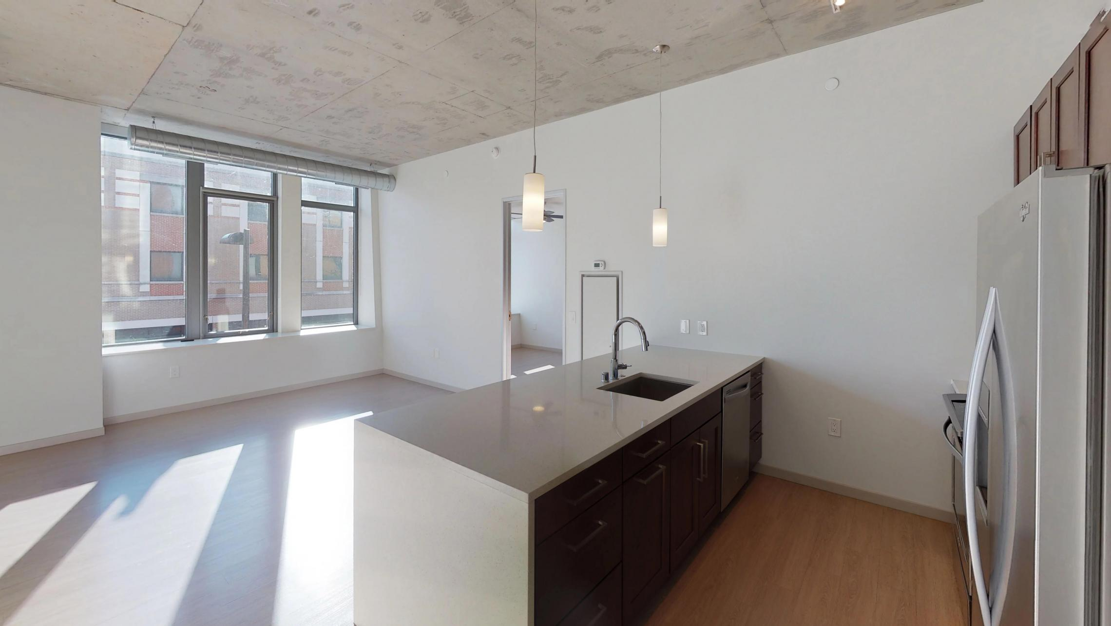 The-Pressman-Apartments-Upscale-Club-room-Modern-Luxury-Downtown-Madison-High-Rise-Lifestyle-Capitol-Square-One-Bedroom-Views-Lake-Office-Conference