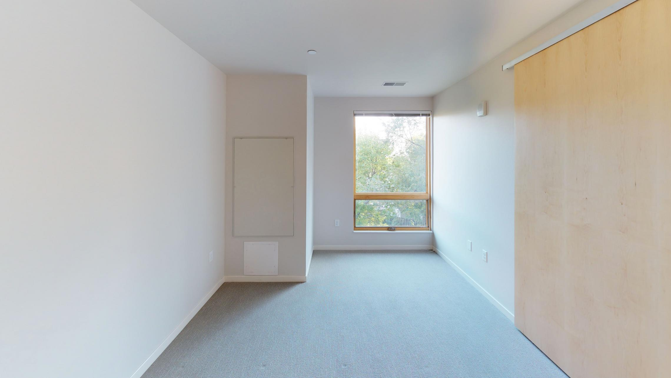 Quarter-Row-Yards-Apartment-326-Corner-Windows-One-Bedroom-Modern-Upscale-Fitness-Lounge-Courtyard-Downtown-Madison-Balcony-Amenities-Luxury