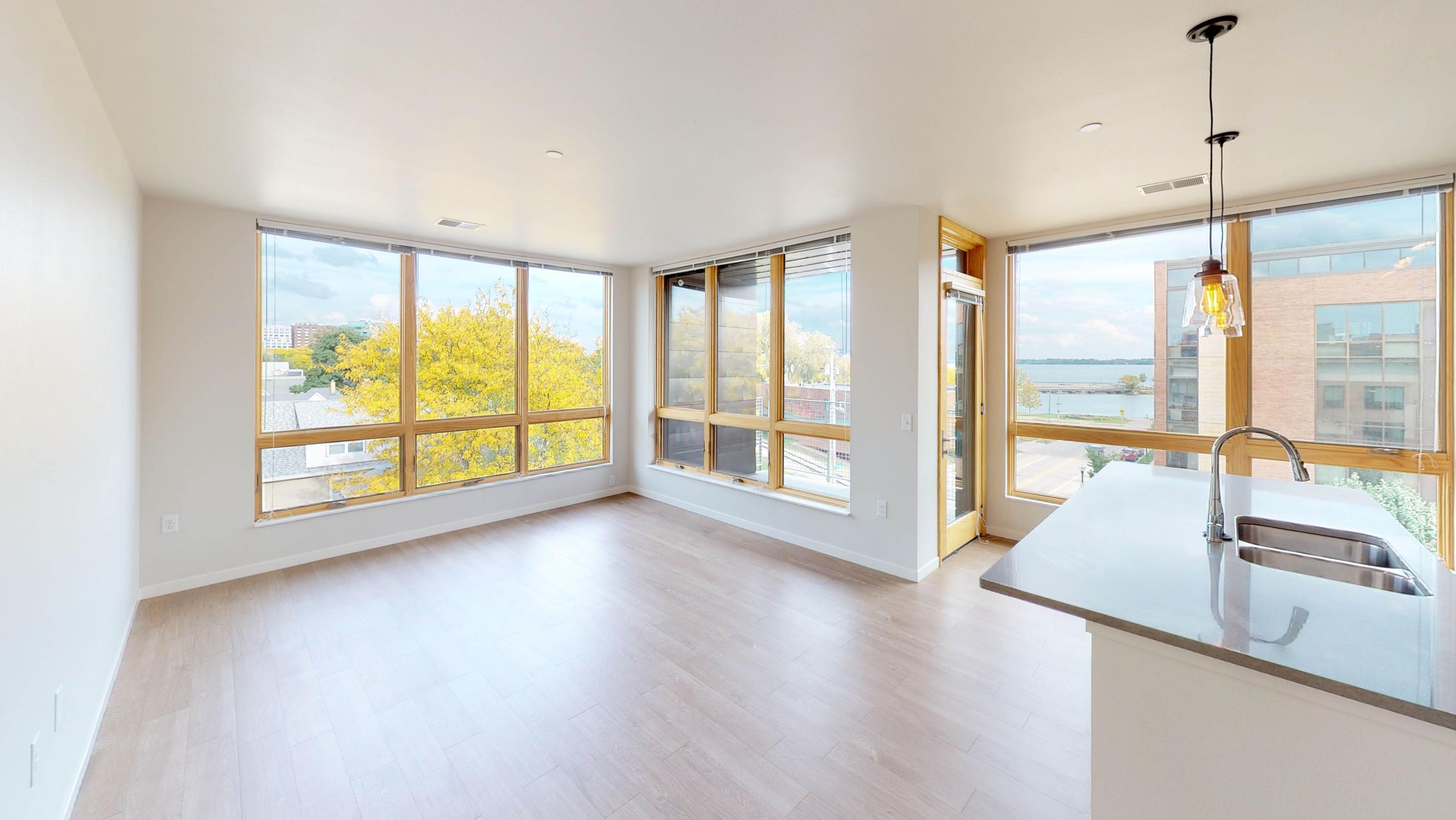 Quarter-Row-Yards-Apartment-401-Corner-Windows-three-Bedroom-Modern-Upscale-Fitness-Lake-Capitol-Views-Downtown-Madison-Balcony-Amenities-Luxury