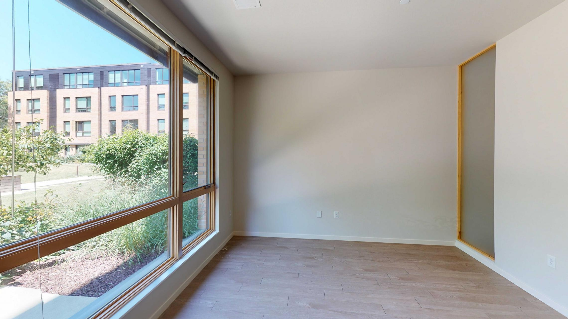 Quarter-Row-Yards-Apartment-108-One-Bedroom-Patio-Modern-Upscale-Fitness-Lounge-Courtyard-Downtown-Madison-View-Bike-Trail-Lifestyle-Lake-Monona