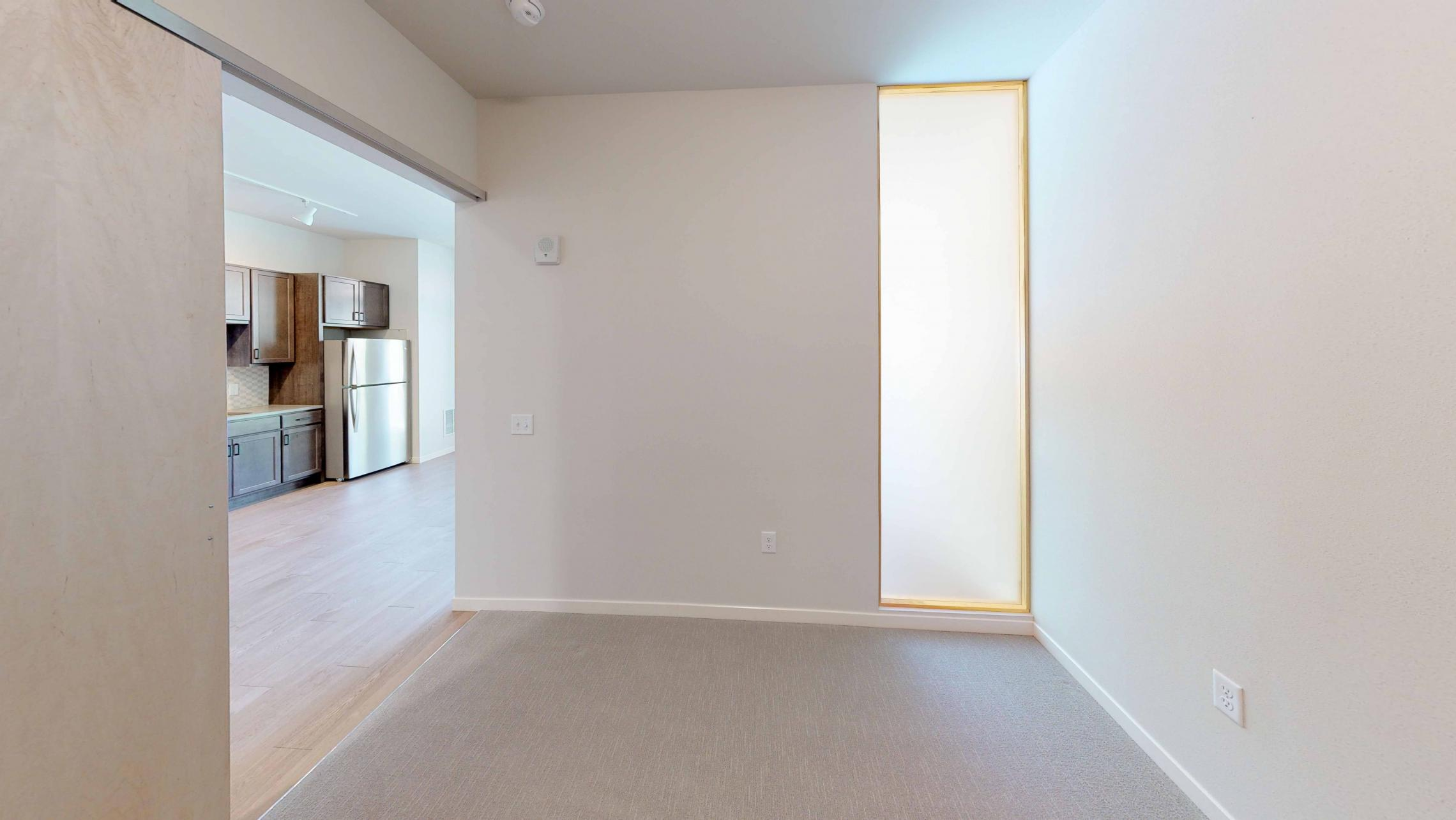 Quarter-Row-Yards-Apartment-110-One-Bedroom-Patio-Modern-Upscale-Fitness-Lounge-Courtyard-Downtown-Madison-View-Bike-Trail-Lifestyle-Lake-Monona