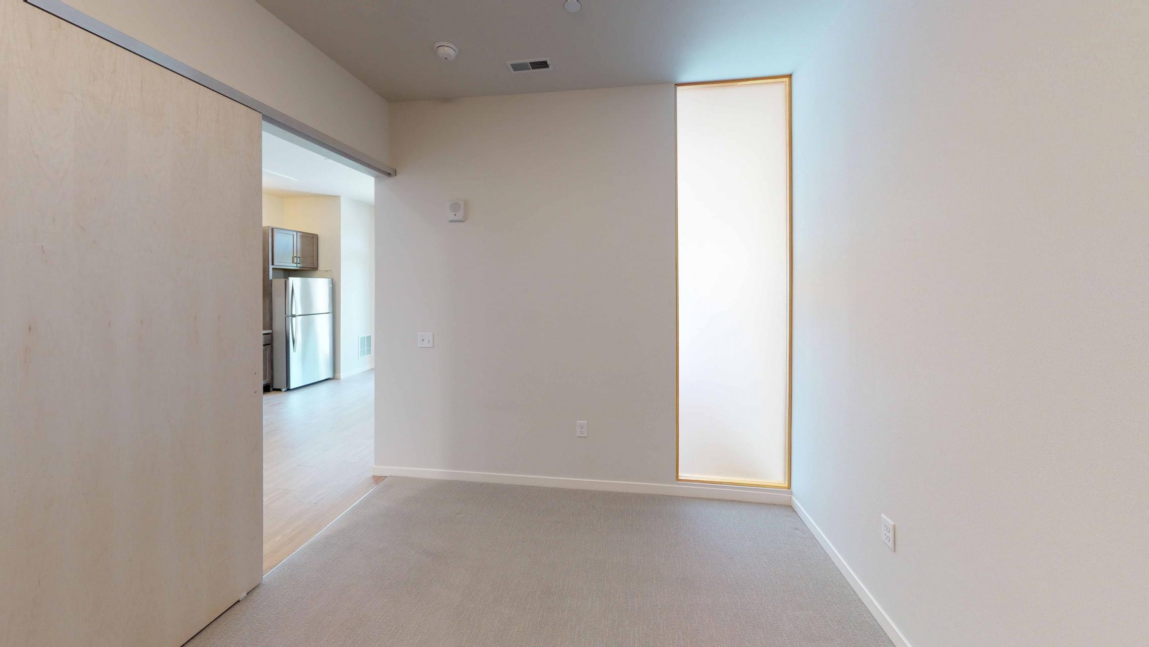 Quarter-Row-Yards-Apartment-109-One-Bedroom-Modern-Upscale-Fitness-Lounge-Courtyard-Downtown-Madison-Balcony-Amenities-Luxury