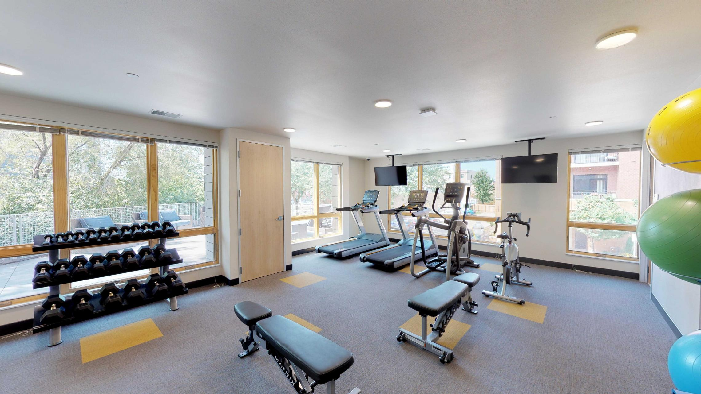 Quarter-Row-Fitness-Center-Gym-Apartments-Downtown-Madison-Luxury-Upscale-Workout