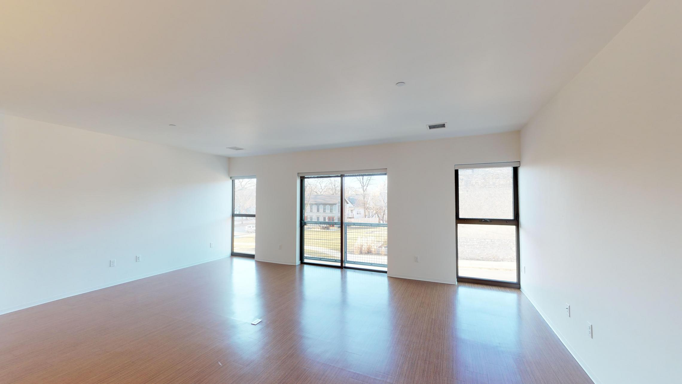 SEVEN27-Apartment-216-one-bedroom-modern-downtown-Madison-fitness-lounge-amenities--city-view-upscale