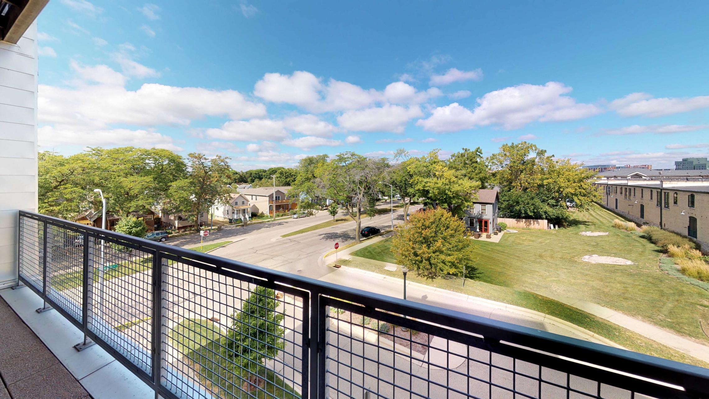 SEVEN27-Apartment-312-Modern-Upscale-Views-City-Downtown-Madison-Lake-Terrace-Balcony-Luxury.jpg