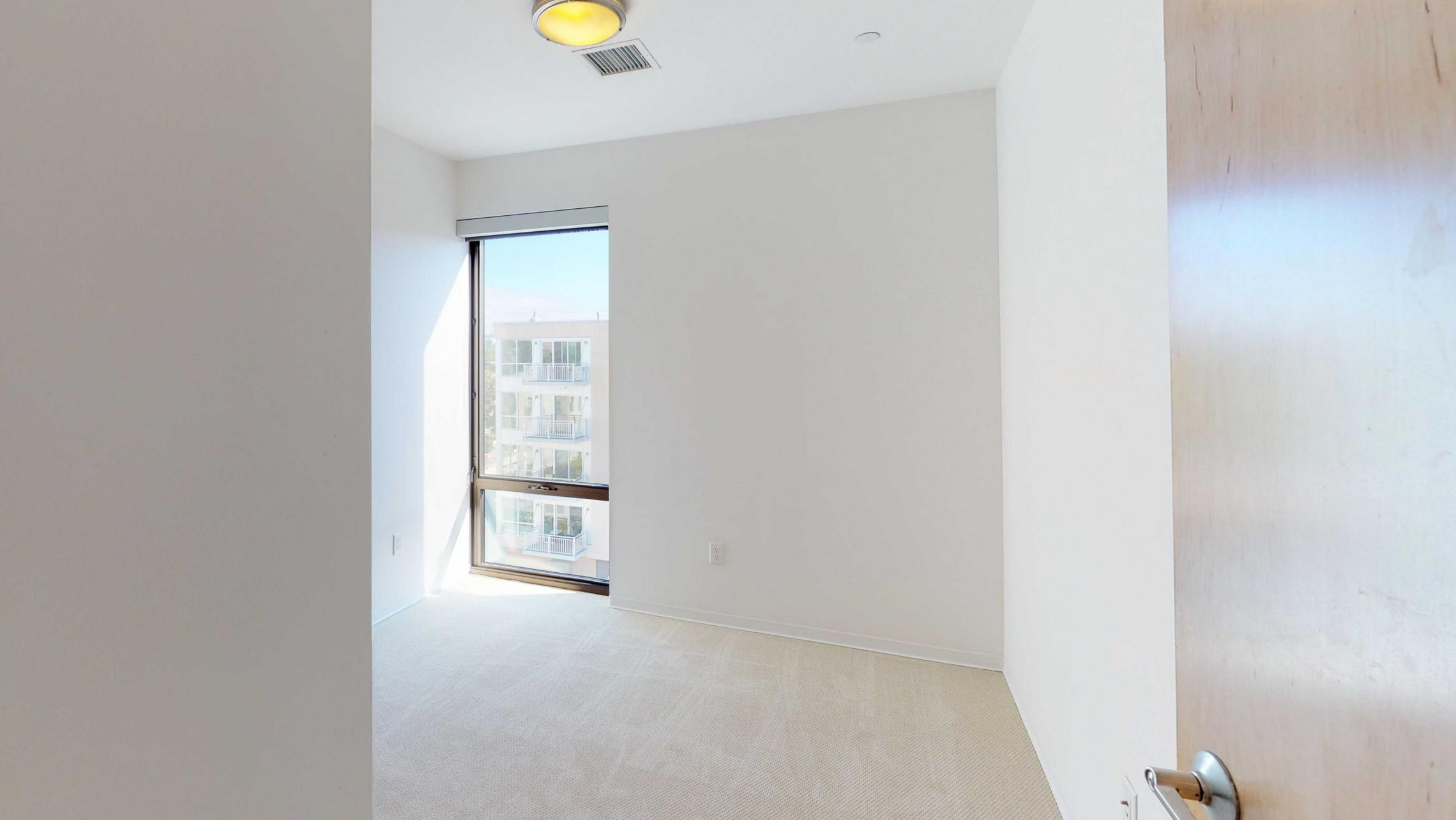 SEVEN27-Apartment-524-Two bedroom-Modern-Luxuy-Upscale-Capitol View-Lake View-Tp Floor-Balcony-Terrace-City View-GUest-Bedroom.jpg