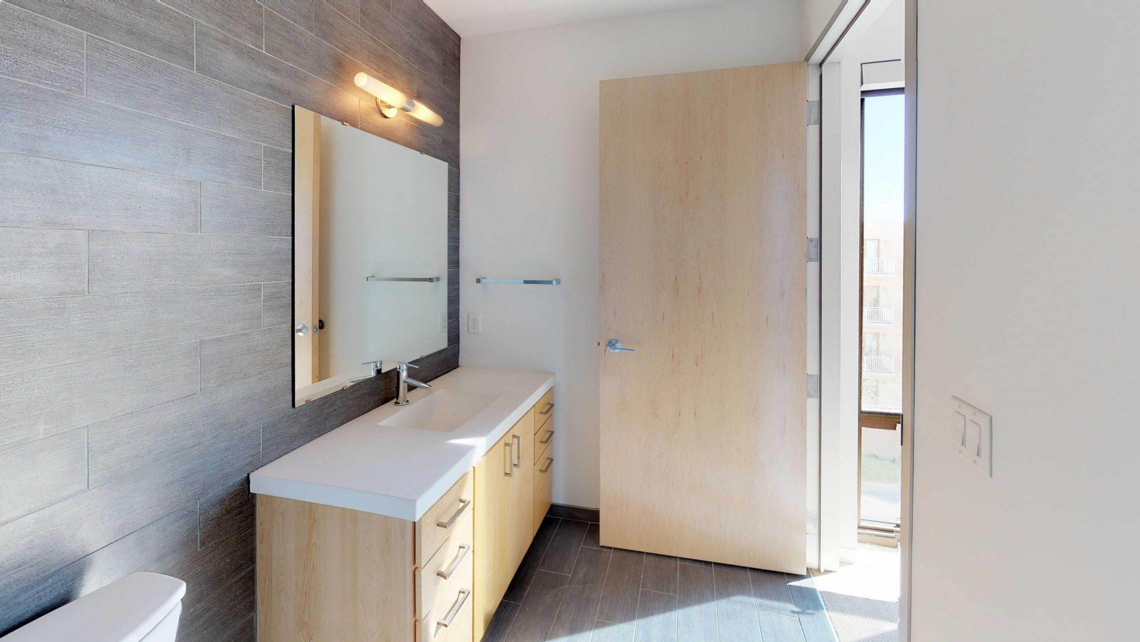 SEVEN27-Apartment-524-two bedroom-Modern-Luxury-Upscale-Capitol View-Lake View-Top Floor-Balcony-Terrace-City View-Master - Bedroom-Closet.jpg