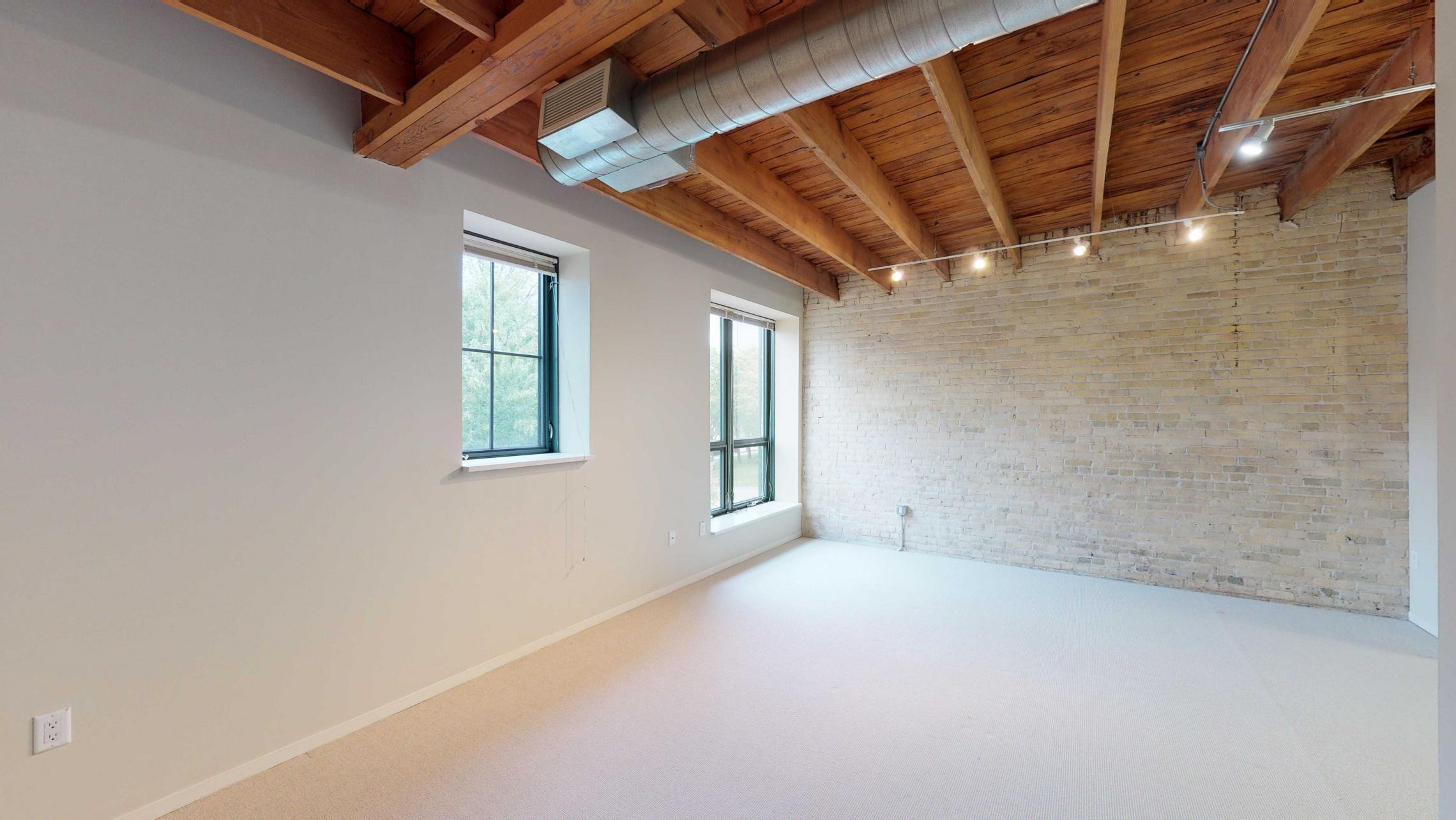 Tobacco-Lofts-Apartment-W220-Studio-Historic-Downtown-Madison-Yards-Kitchen-Exposures-Brick.jpg