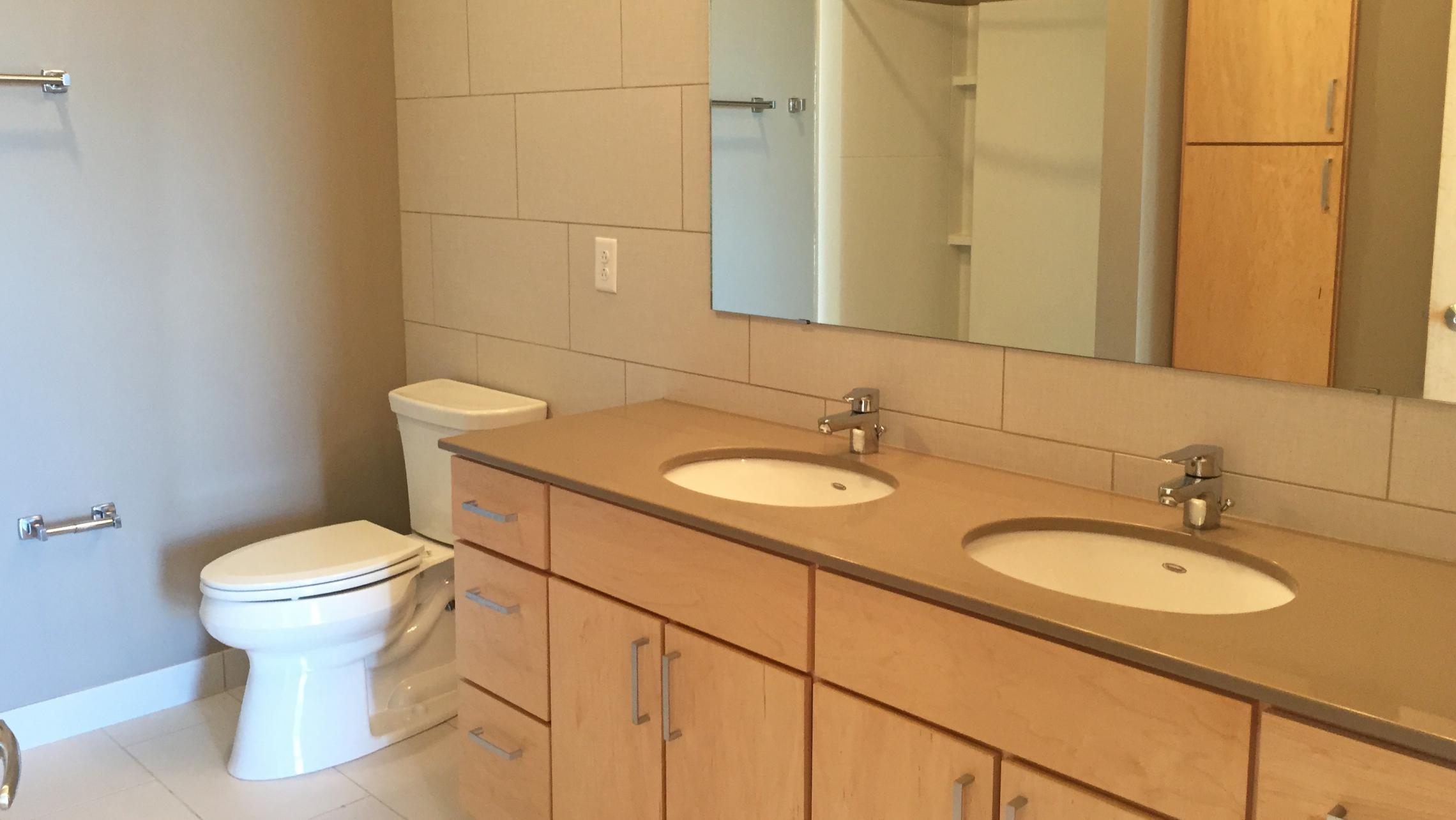 ULI Nine Line Apartment 323 - Bathroom