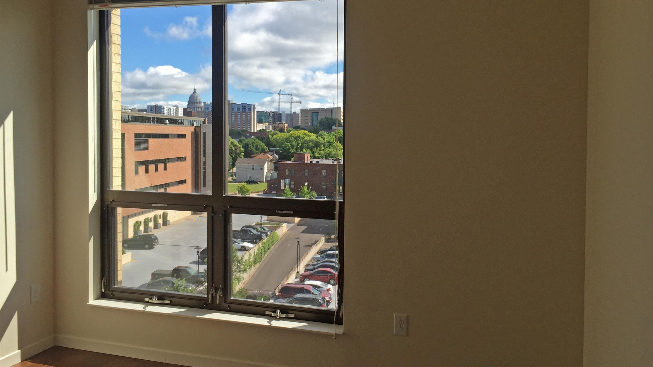 ULI Nine Line Apartments 523 - Bedroom with a Capitol View