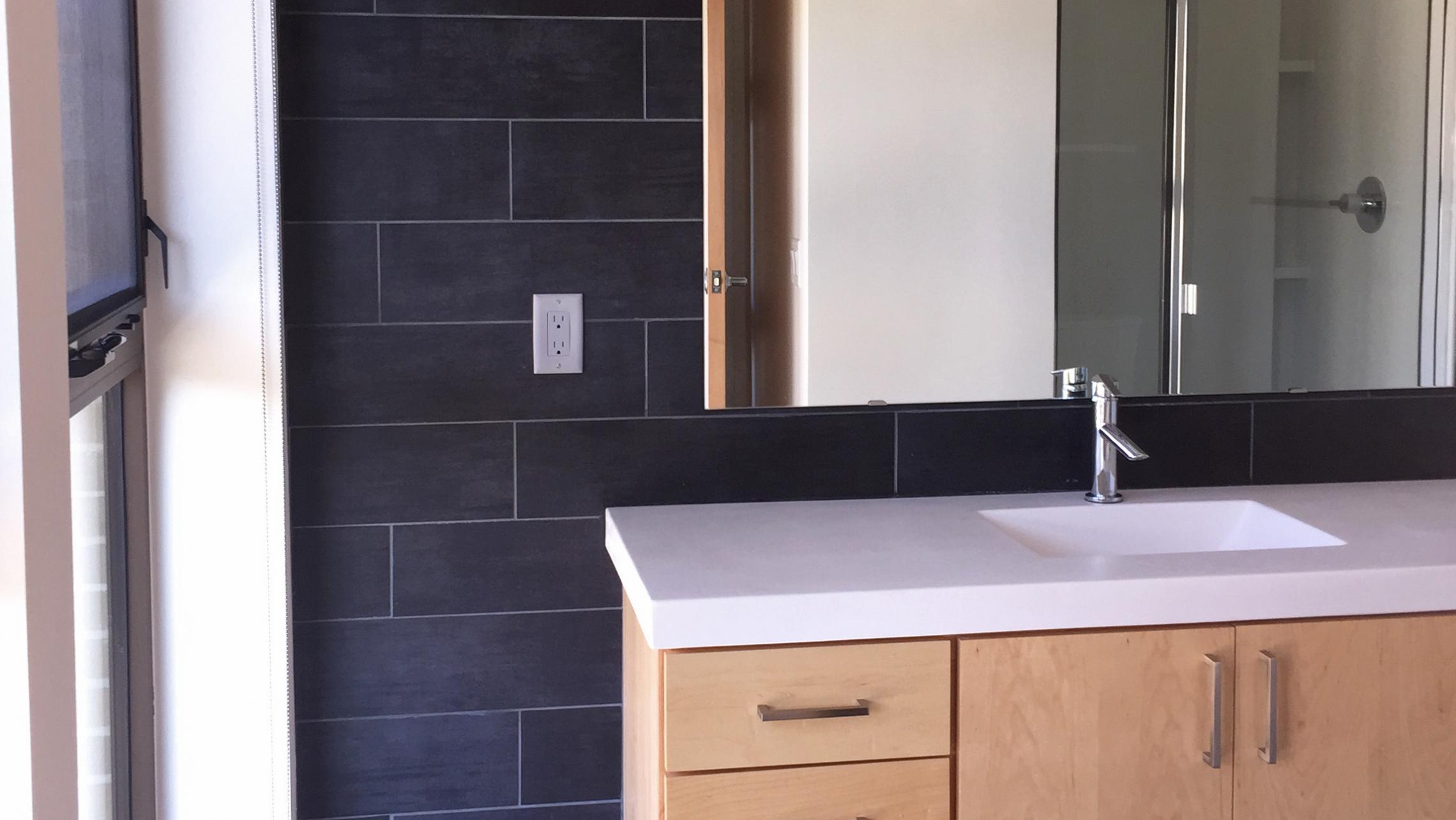 ULI Seven27 Apartment 110 - Bathroom