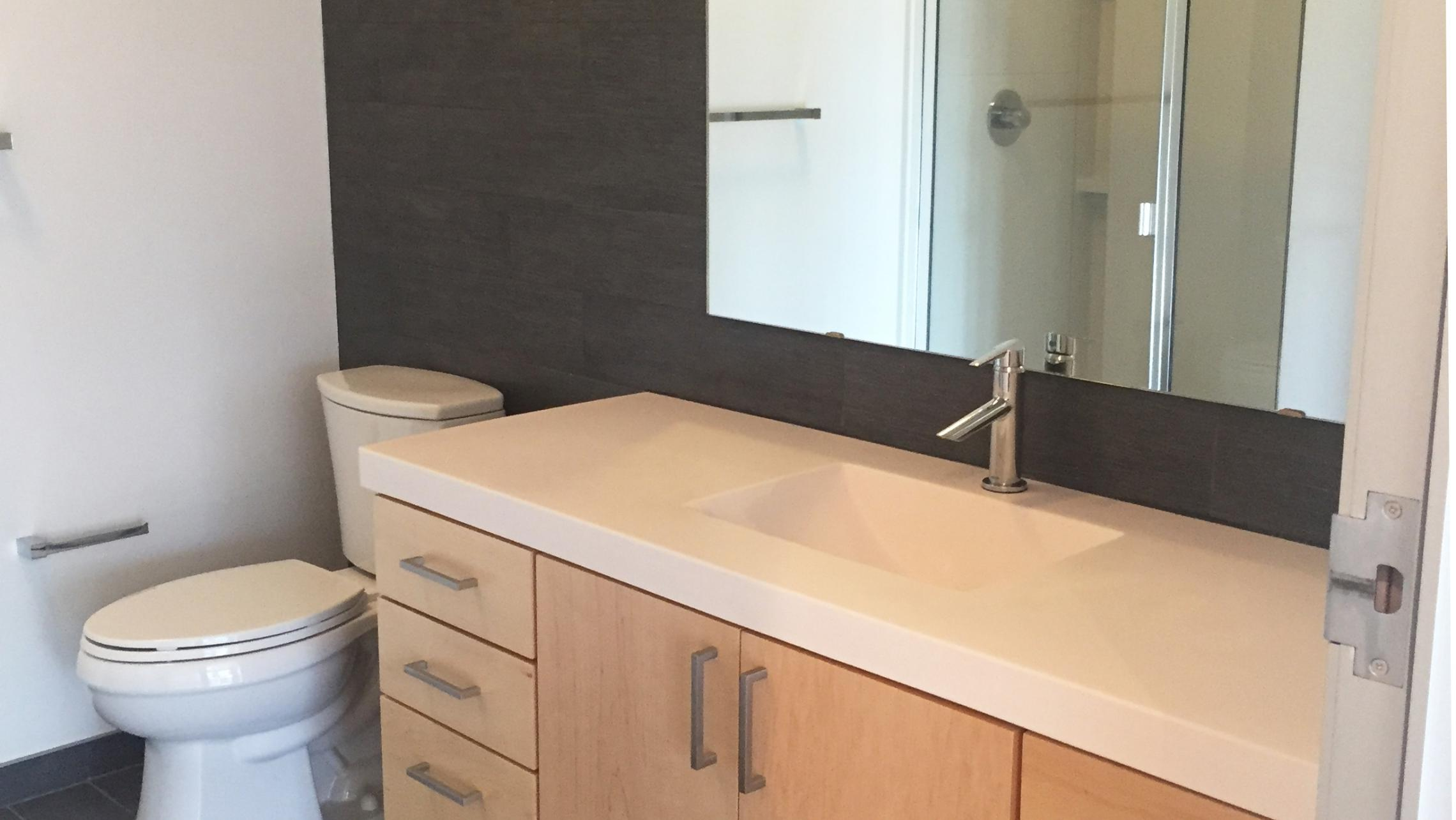 ULI Seven27 Apartment 237 - Bathroom