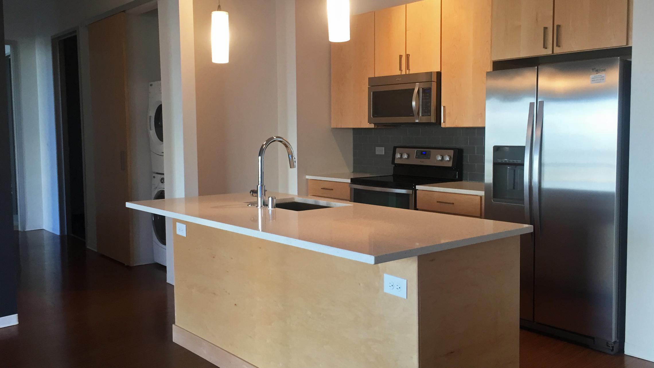 ULI Seven27 Apartment 536 - Kitchen and In-Unit Washer / Dryer