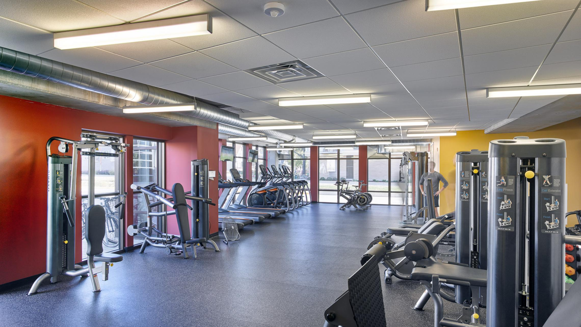 ULI Seven27 Apartments - Fitness Center with Professional Equipment