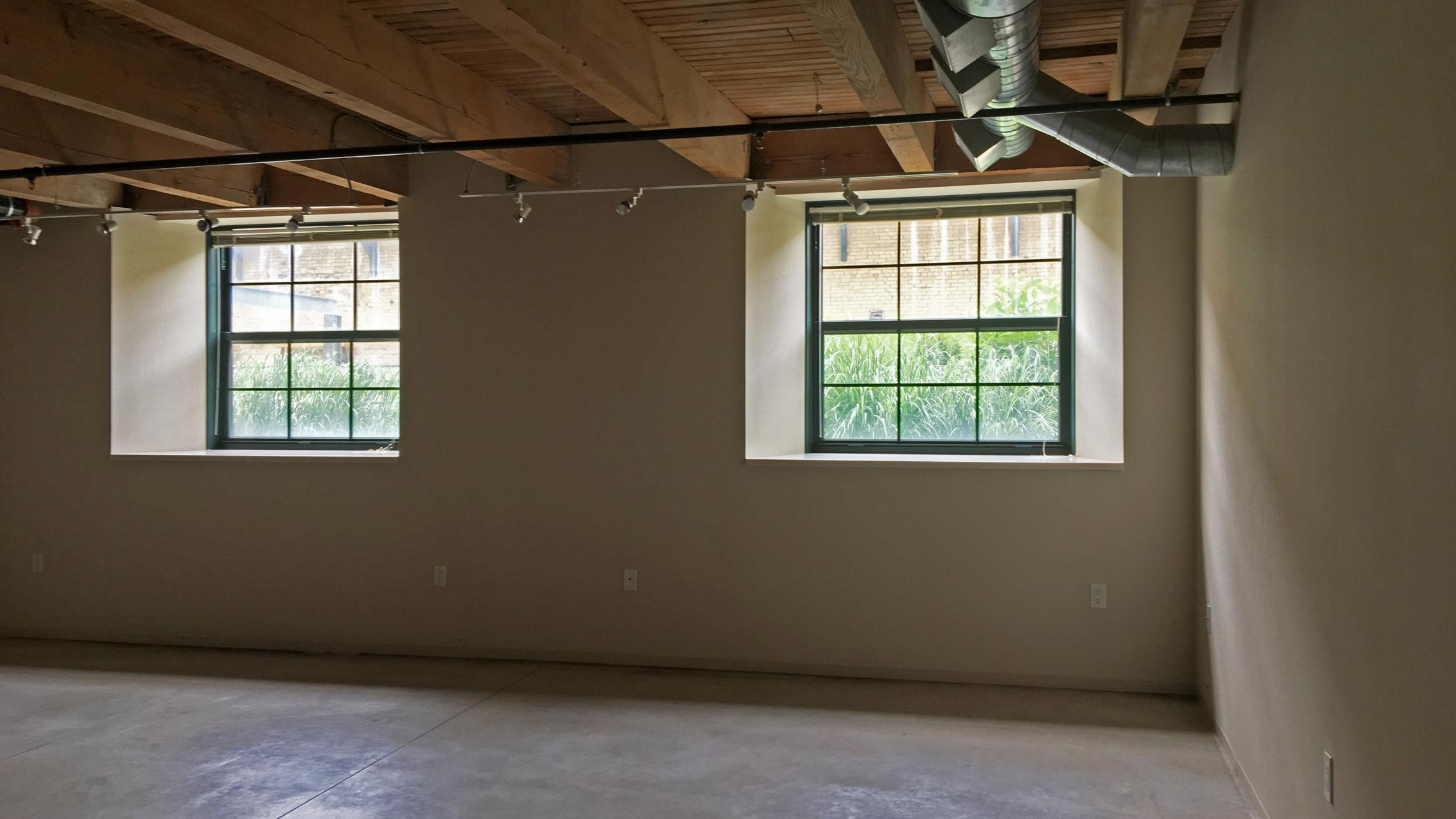 ULI Tobacco Lofts - E104 - Windows and Exposed Beams