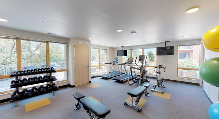Quarter-Row-Fitness-Center-Gym-Apartments-Downtown-Madison-Luxury-Upscale-Workout.jpg