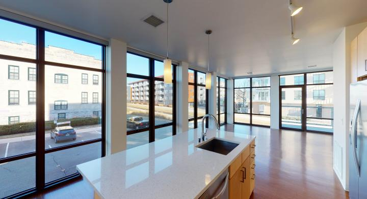 SEVEN27-Apartment-224-Two bedroom-Modern-Luxuy-Upscale-Capitol View-Lake View-Tp Floor-Balcony-Terrace-City View-dinning.jpg
