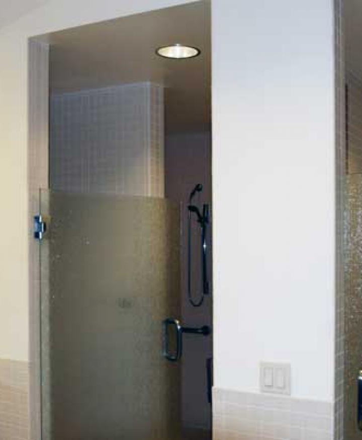 ULI Block89 - Locker Room with Showers